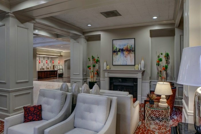 renaissance-on-peachtree-neighborhood-living-space